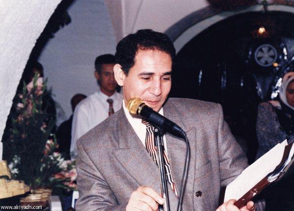 وفاة الباحث والشاعر المصري بشير عياد عن 55 عاما