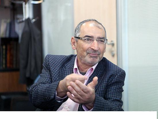 إصلاحي إيراني: أخطأنا في الدفاع عن الأسد والشيعة والحوثية