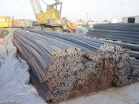 تجار الحديد يعتذرون عن مجاراة تراجع أسعاره بتصريف المخزون